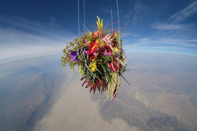 Azuma-Makoto-sends-flowers-into-space-designboom06