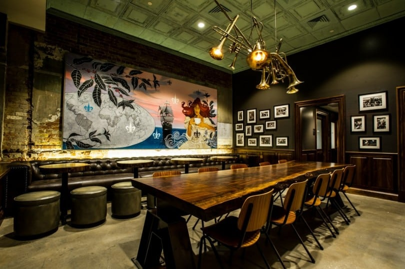 Starbucks On Canal Street In New Orleans Looks Fascinating 5