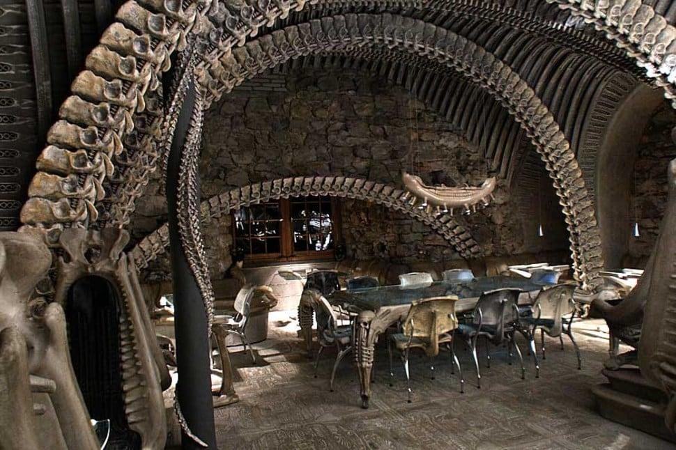 H.R. Giger Alien Bar 2