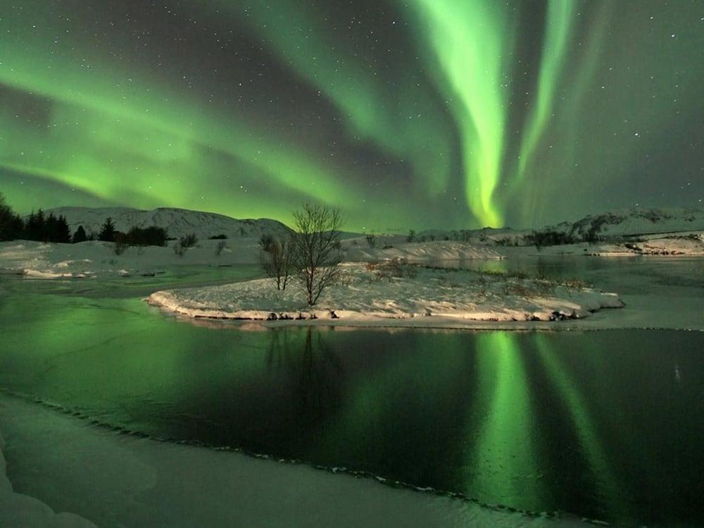 Iceland-aurora-borealis20130223_0009