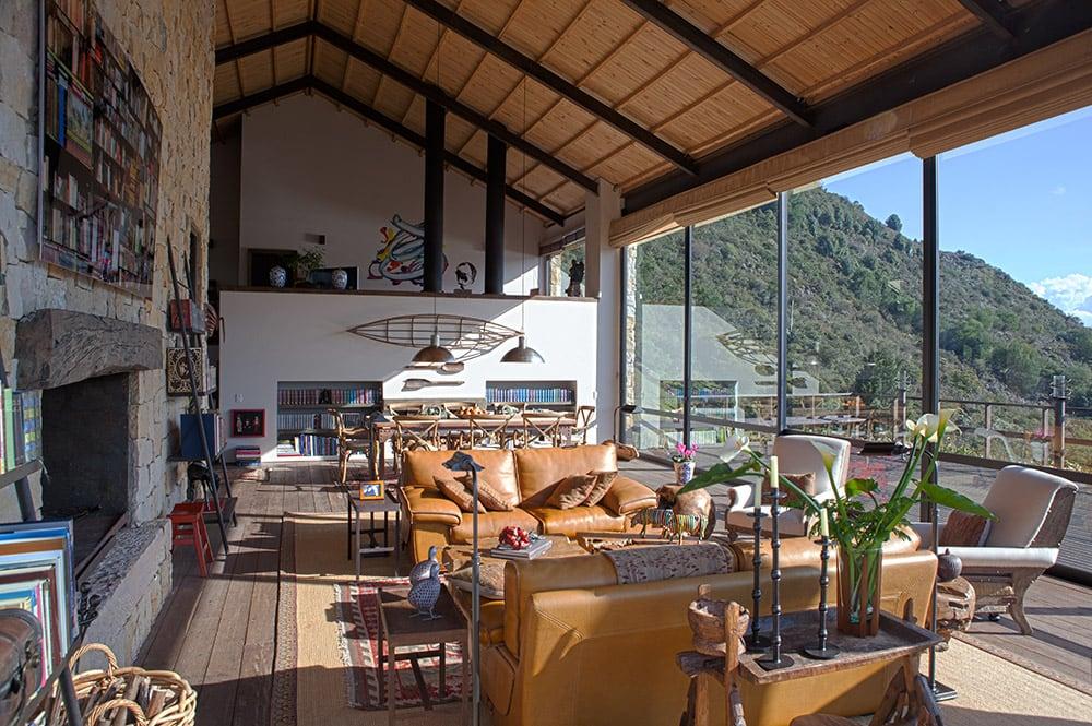 Lake House by Fernando de la Carrera and Alejandro Cavanzo - HomeWorldDesign (10)
