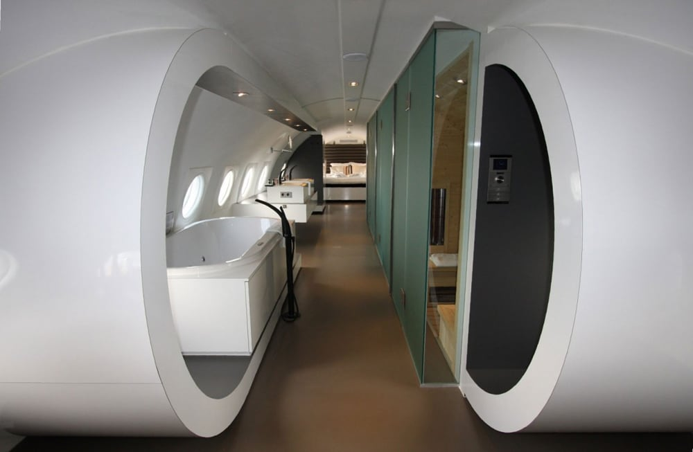 airplane_suite_12