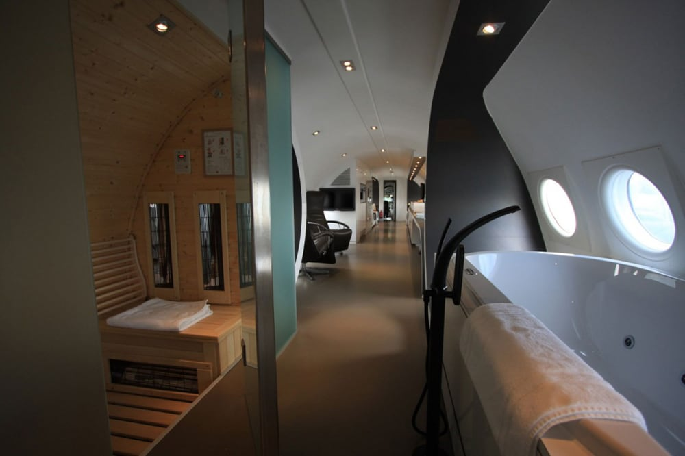 airplane_suite_14
