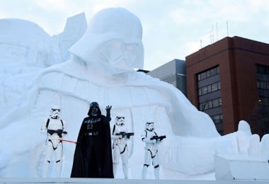 Japanese Army Builds Enormous Star Wars Sculpture For Snow Festival 2