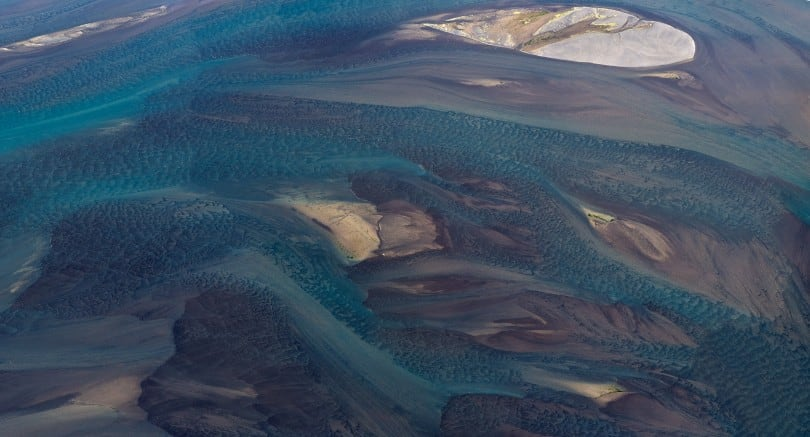 Stunning Aerial Photos Of Icelandic Rivers From Above 16