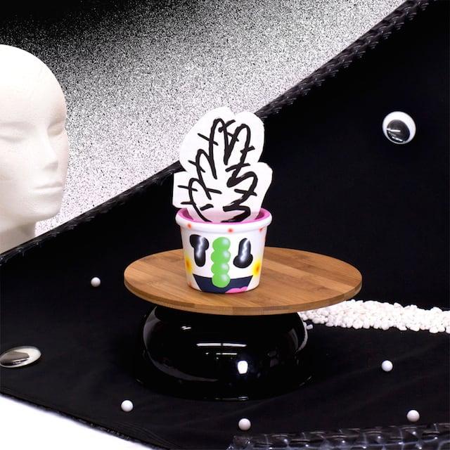 Crazy-Faces-Ceramic-Vases-11