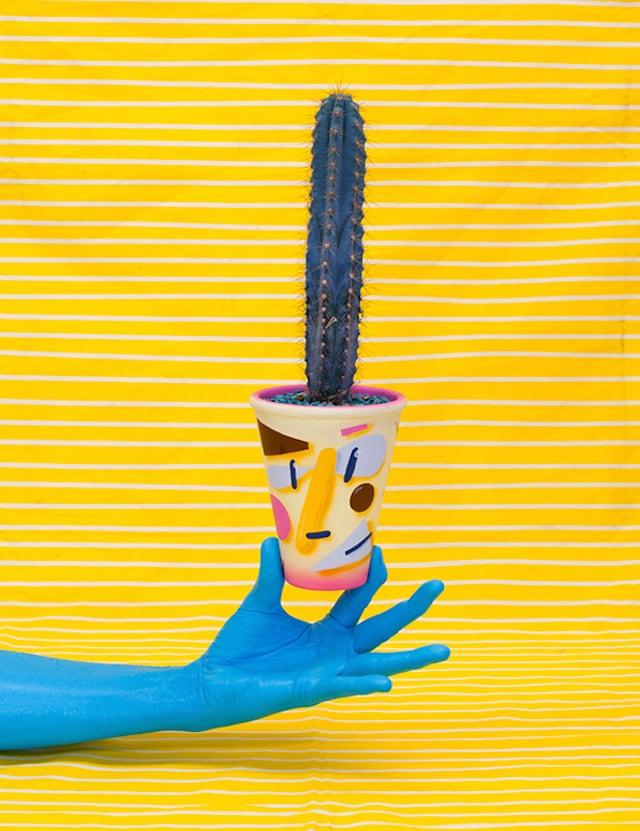 Crazy-Faces-Ceramic-Vases-23