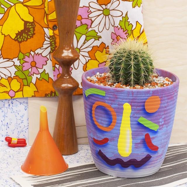 Crazy-Faces-Ceramic-Vases-3