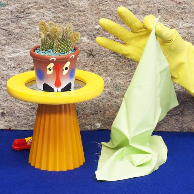 Crazy-Faces-Ceramic-Vases-4