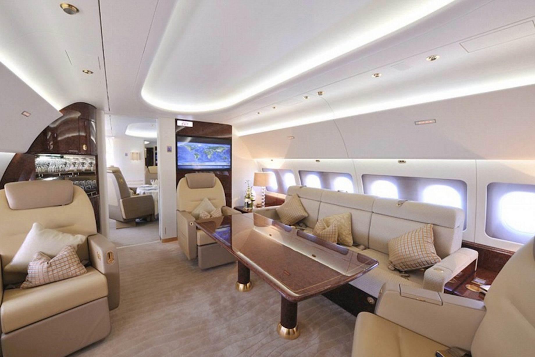 Prince-Charles-private-jet-1