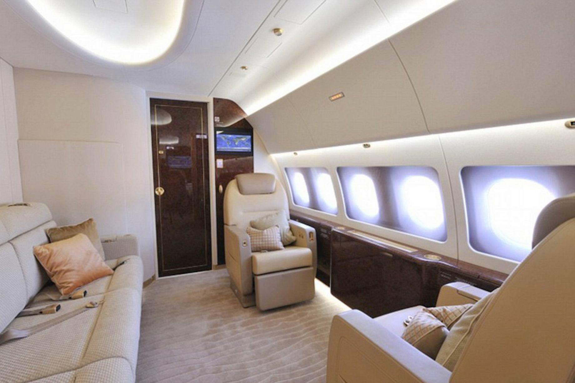 Prince-Charles-private67676767-jet