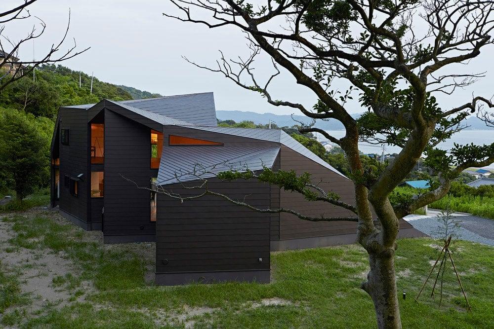 Villa-Escargot-by-Takeshi-Hirobe-Architects-04