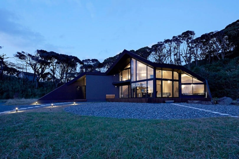 Villa-Escargot-by-Takeshi-Hirobe-Architects-12