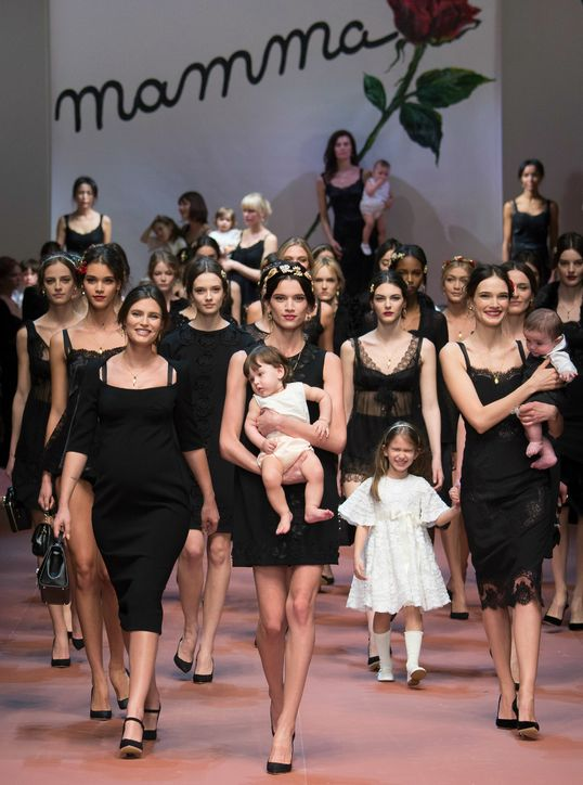 Mother's day 2015: The Dolce & Gabbana Fall 2015 Collection Will Make Want to Call Your Mom 19