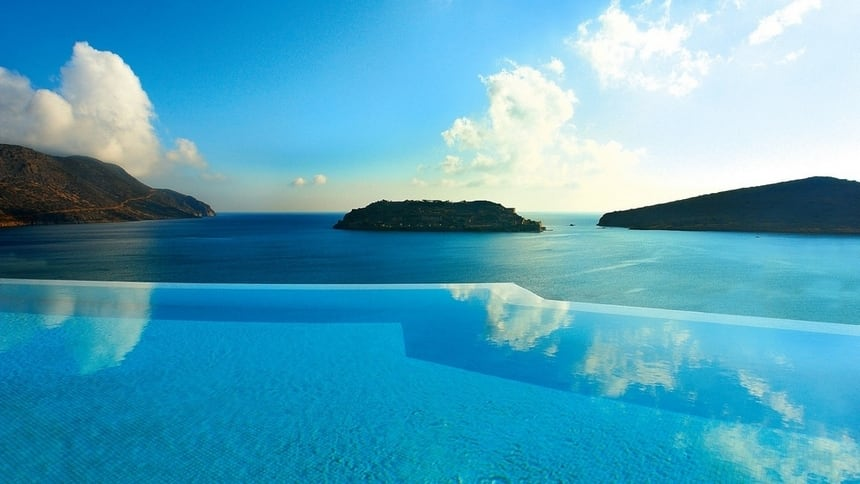 the 24 amazing pools you need to jump in before you die 24