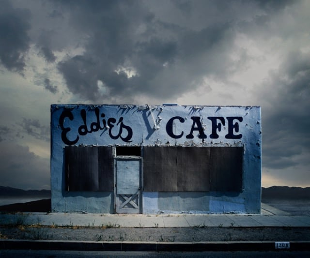 Abandoned-And-Isolated-Signs-of-Human-Beings-5