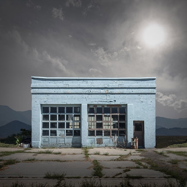 Abandoned-And-Isolated-Signs-of-Human-Beings-7