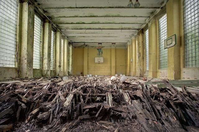 Abandonned-Soviet-Buildings-by-Rebecca-Litchfield13