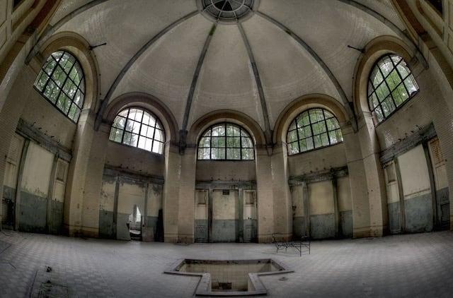 Abandonned-Soviet-Buildings-by-Rebecca-Litchfield9