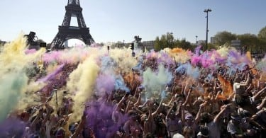 """Paris Drenched In Colours Of the Rainbow For """"World's Happiest Run"""" 1"""