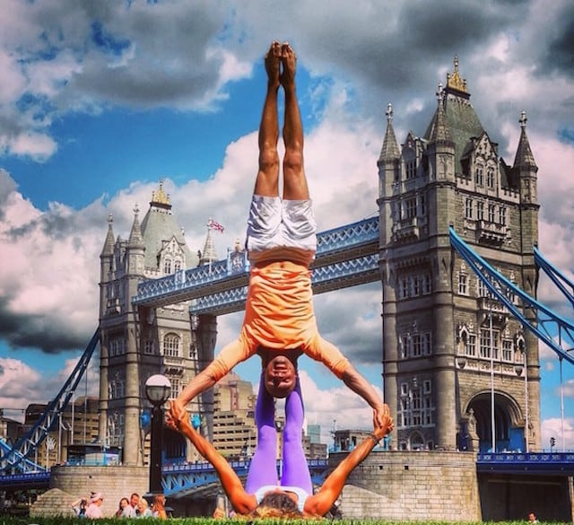 Gravity-Defying-Yoga-Poses-In-Photos_10