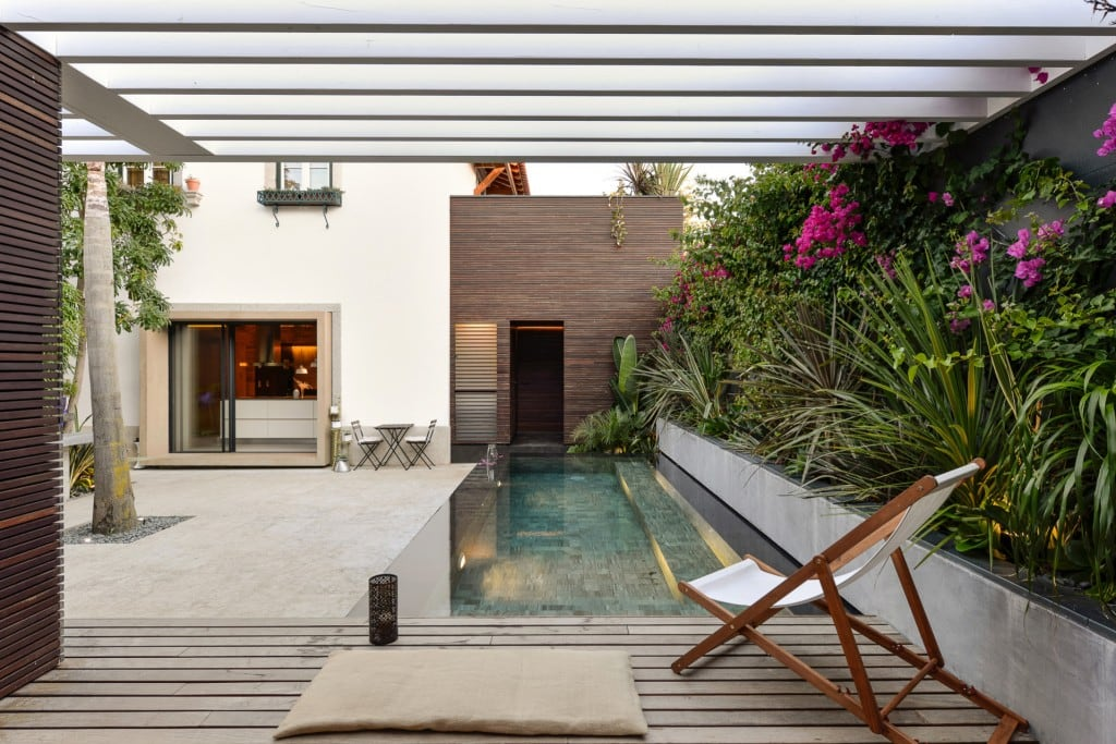 Harmonious-relationship-between-the-old-and-the-contemporary-architecture-House-in-Estoril-HomeWorldDesign-4-1024x683