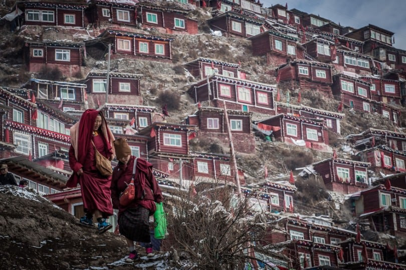 The Largest Buddhist Settlement In The World: Home To Over 40,000 Monks And Nuns 1