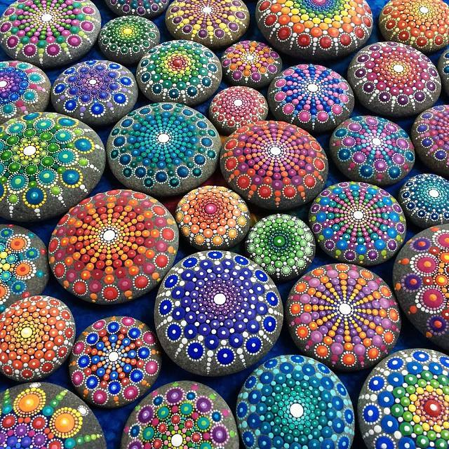 Artist Creates Dazzling Ocean Stones Covered in Colorful Tiny Dots 1