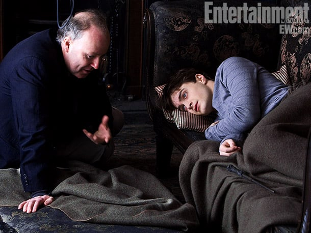 Director David Yates (left) and Radcliffe on set in the Drawing Room at Grimmauld Place, Harry Potter and the Deathly Hallows — Part 1 (2010) Image Credit: Jaap Buitendijk