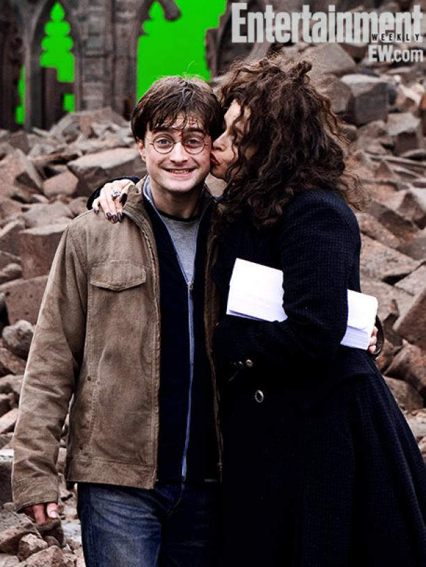 Daniel Radcliffe and Helena Bonham Carter on set at Hogwarts Courtyard, Harry Potter and the Deathly Hallows — Part 2 (2011) Image Credit: Jaap Buitendijk