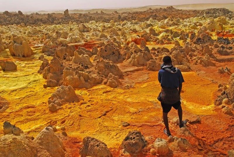 Source: Victoria Rogotneva | Olio Ataxia {link: http://500px.com/photo/7543427/ethiopia-volcano-dalol-by-victoria-rogotneva}