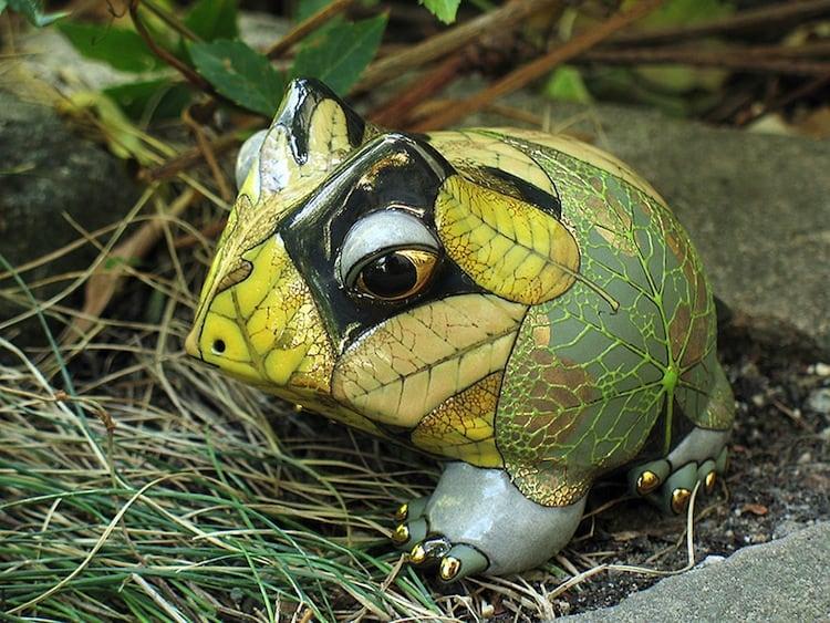 porcelain-frog