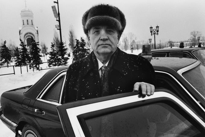 Mikhail Gorbachev, Moscow, 1999