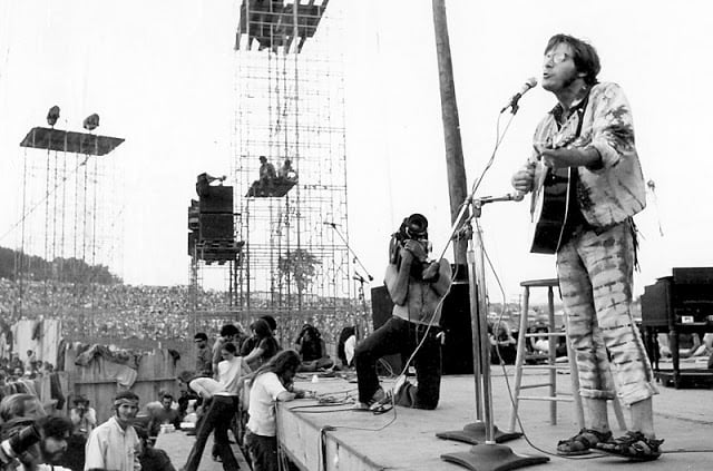 Photos of Life at Woodstock 1969 (2)