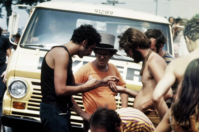 Photos of Life at Woodstock 1969 (30)