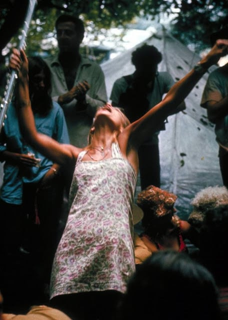 Photos of Life at Woodstock 1969 (35)