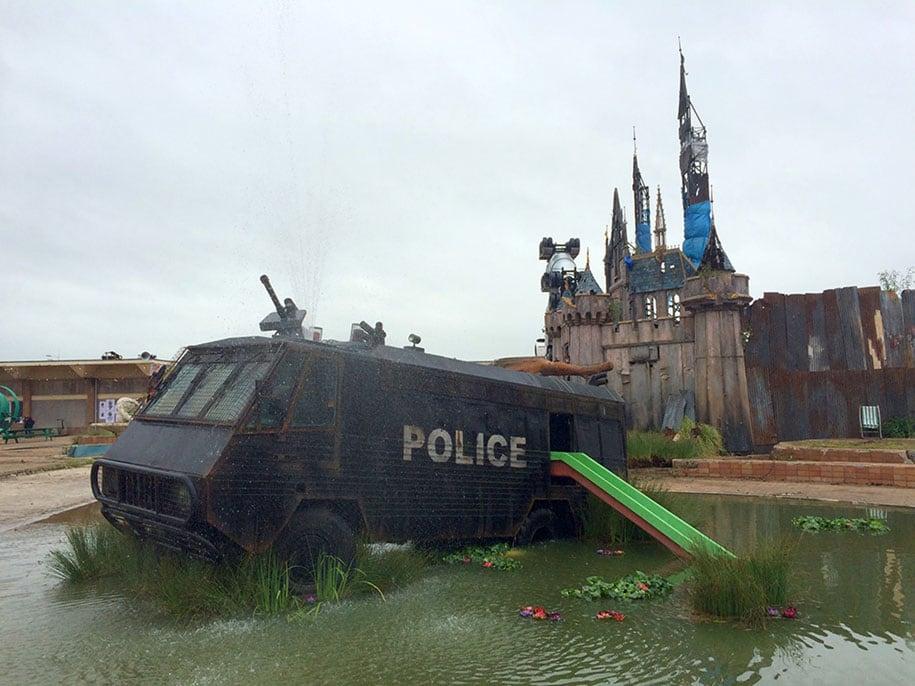 counter-culture-amusement-park-dismaland-bemusement-park-banksy-15