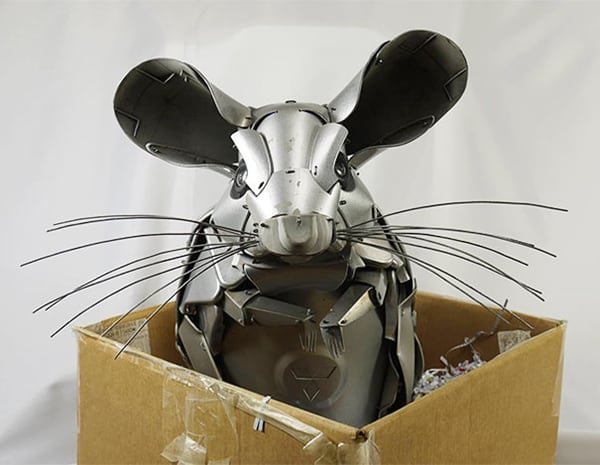 hubcap-sculpture-mouse