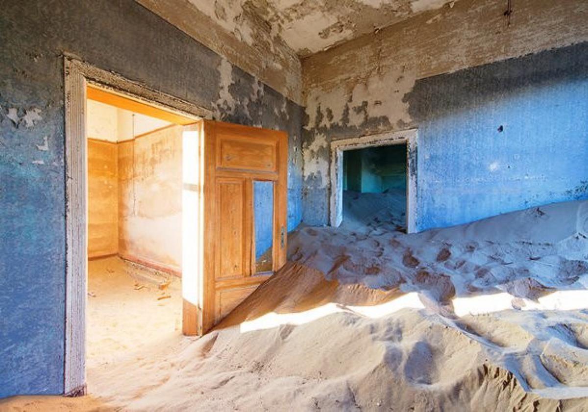 www-fastcoexist-com-3027443-inline-s-ghost-town-1-