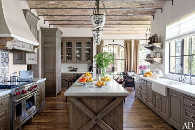 country-kitchen-with-breakfast-nook-reclaimed-wood-and-vaulted-ceiling-i_g-ISdkk1nuradeg70000000000-xd4rq