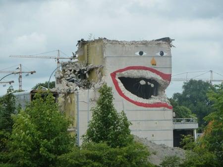 rubbish street art
