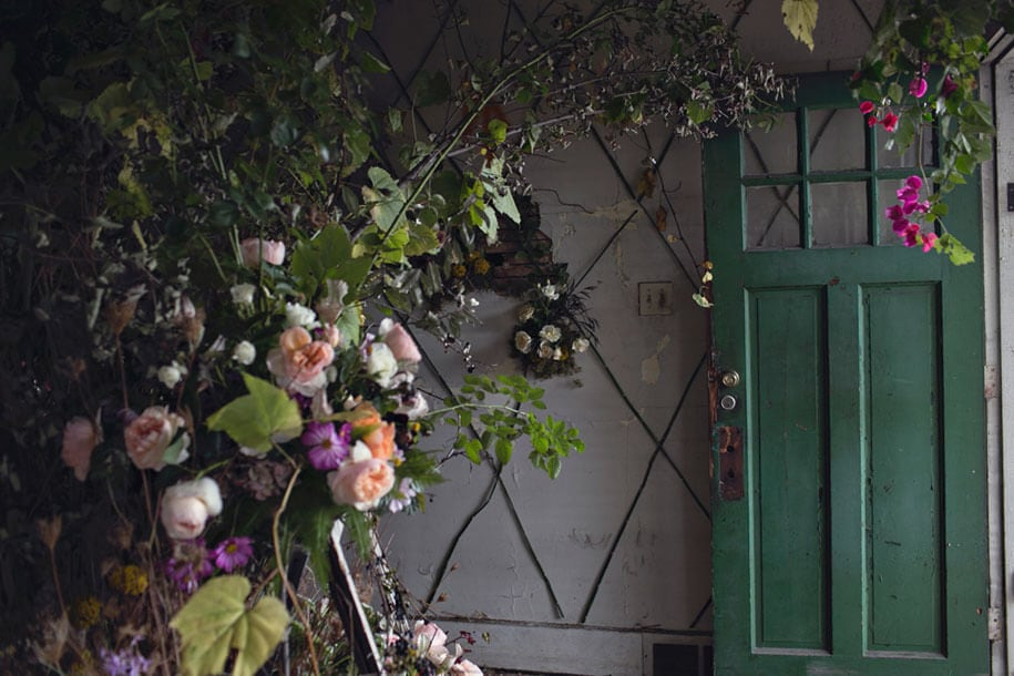 abandoned-house-transformed-flower-house-lisa-waud-heather-saunders-11