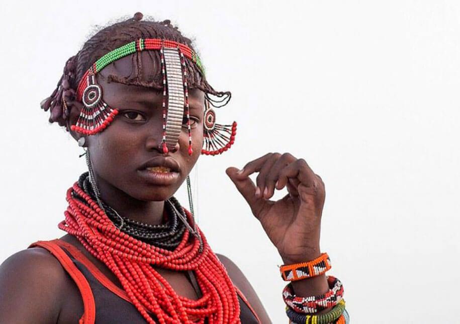 daasanach-tribe-recycled-headwear-eric-lafforgue-ethiopia-e