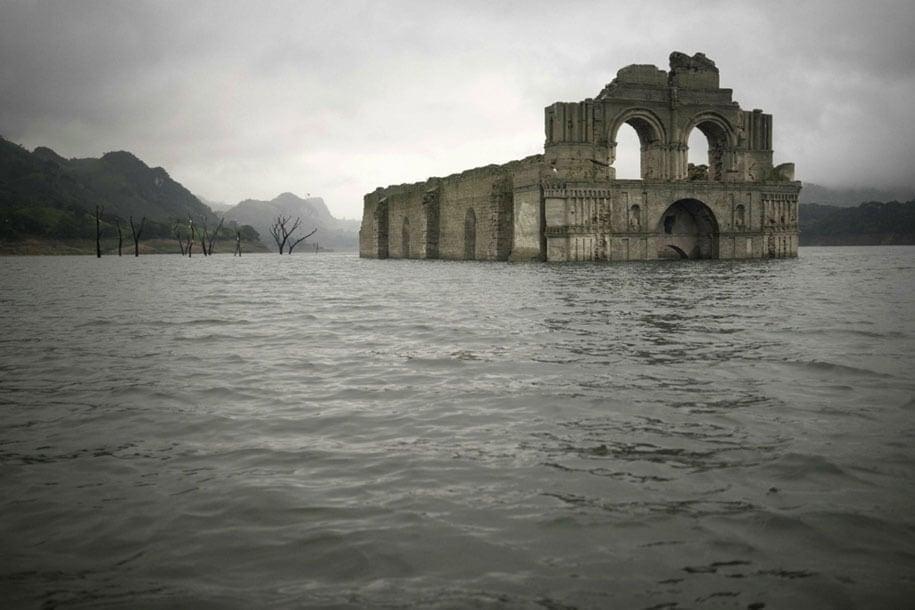 submerged-church-emergence-temple-santiago-quechula-mexico-5