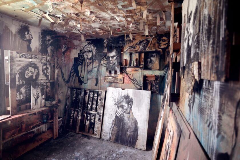 matthieu-laine-abandoned-apartment-portraits-residents-fy-3
