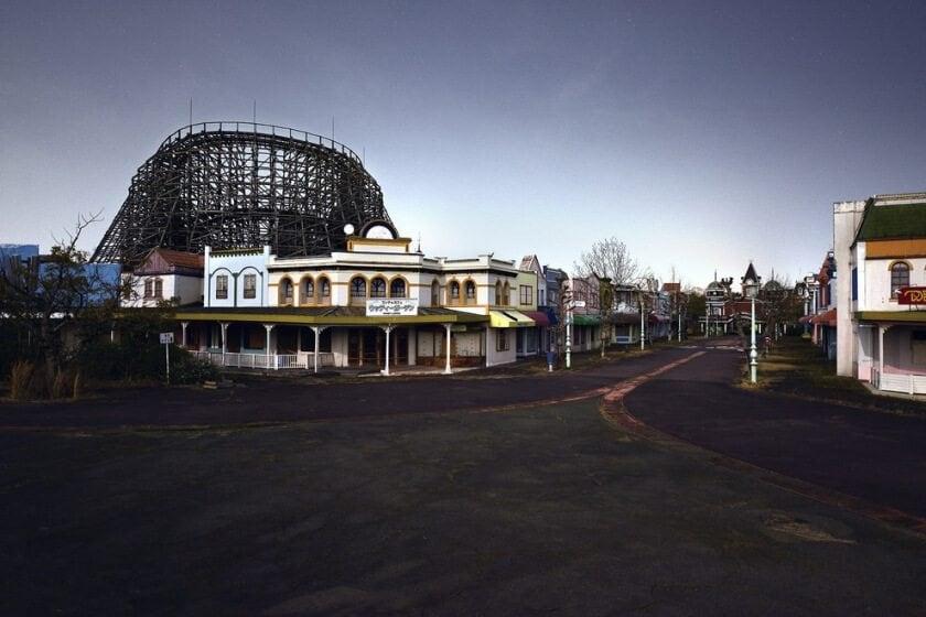 reginald-van-de-velde-abandoned-amusement-parks-fy-12
