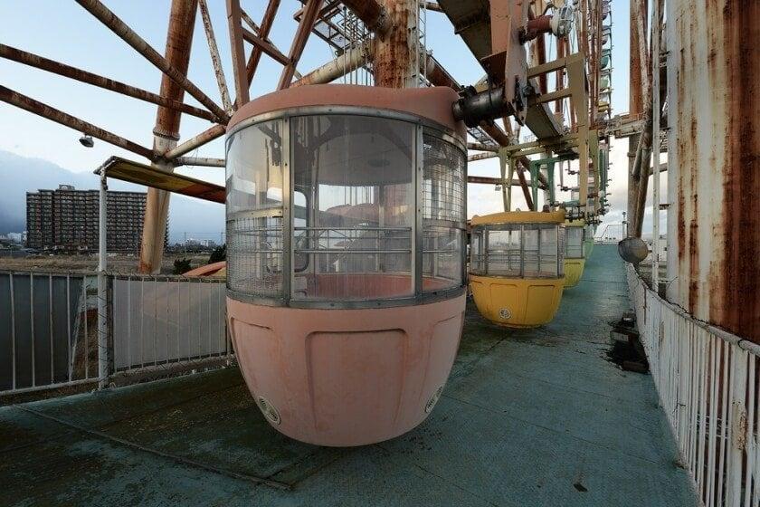 reginald-van-de-velde-abandoned-amusement-parks-fy-19