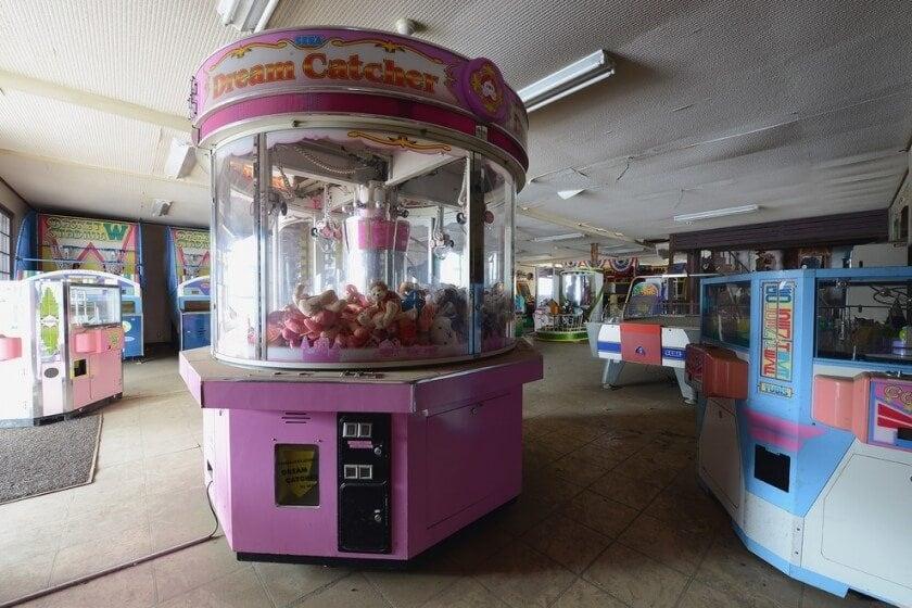 reginald-van-de-velde-abandoned-amusement-parks-fy-27