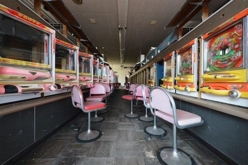 reginald-van-de-velde-abandoned-amusement-parks-fy-3