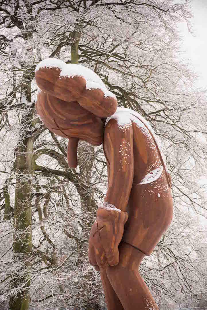 kaws-sculptures-yorkshire-sculpture-park-fy-1